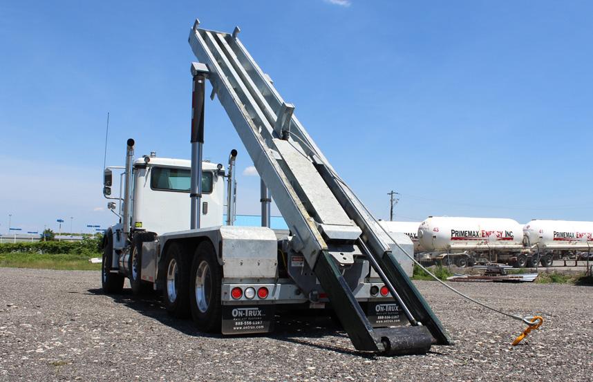 Tri-axle-On-Trux-rolloff-or-roll-off-system-galvanized-International-HX-(19)