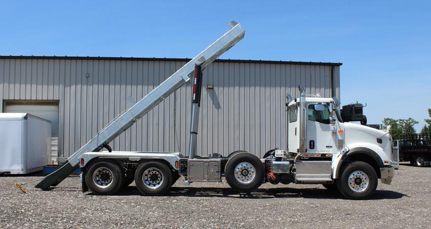 Tri-axle-On-Trux-rolloff-or-roll-off-system-galvanized-International-HX-(20)