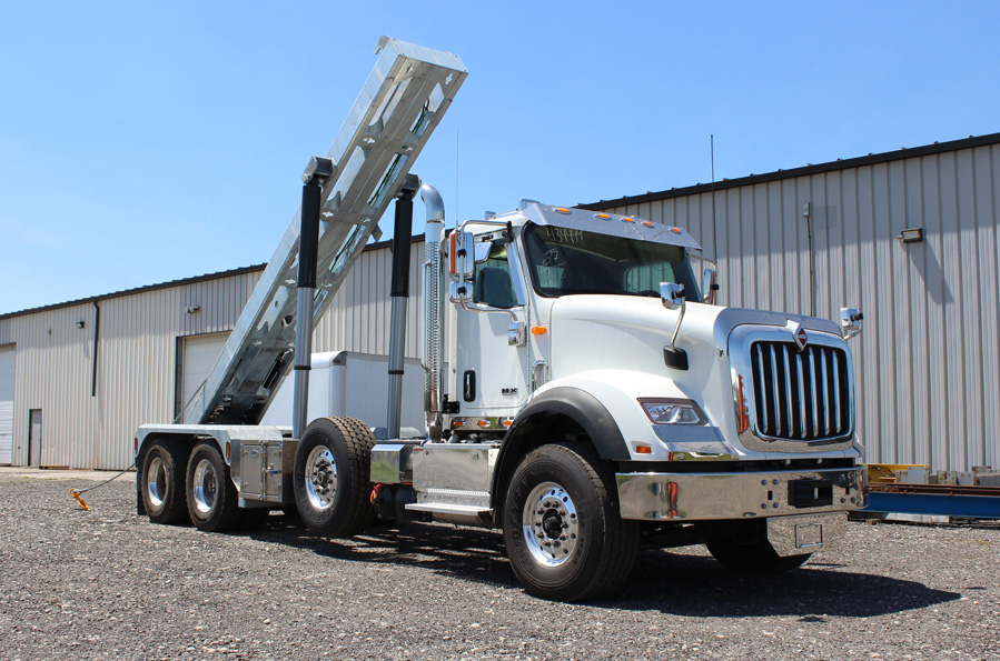 Tri-axle-On-Trux-rolloff-or-roll-off-system-galvanized-International-HX-(21)