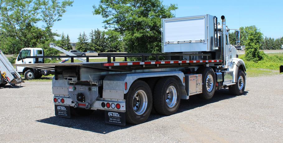 Tri-axle-On-Trux-rolloff-or-roll-off-system-galvanized-International-HX-(22)
