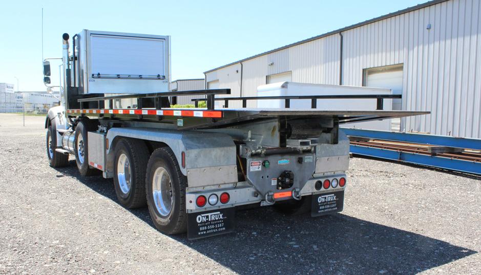 Tri-axle-On-Trux-rolloff-or-roll-off-system-galvanized-International-HX-(28)