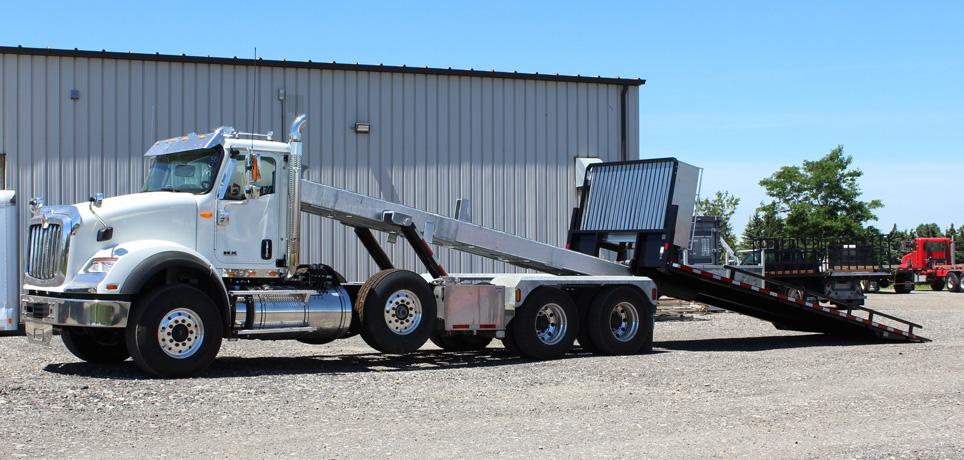 Tri-axle-On-Trux-rolloff-or-roll-off-system-galvanized-International-HX-(31)