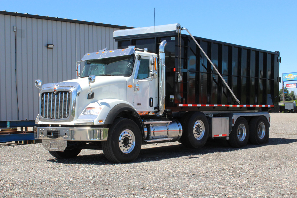 Tri-axle-On-Trux-rolloff-or-roll-off-system-galvanized-International-HX-(35)