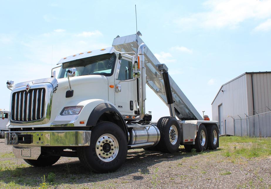 Tri-axle-On-Trux-rolloff-or-roll-off-system-galvanized-International-HX-(5)