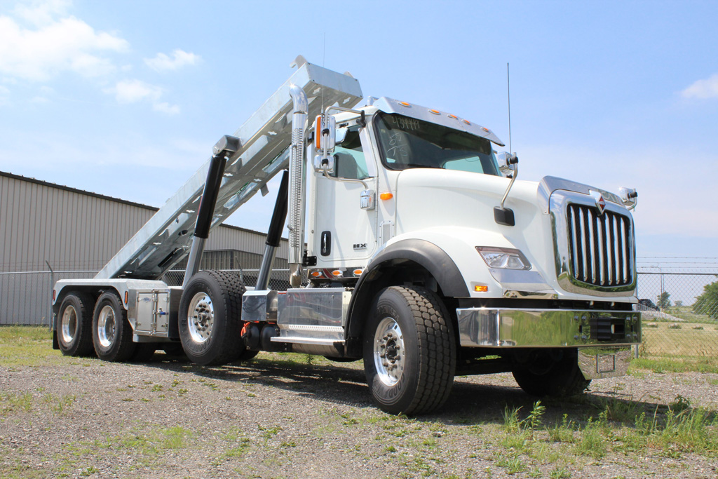 Tri-axle-On-Trux-rolloff-or-roll-off-system-galvanized-International-HX-(7)