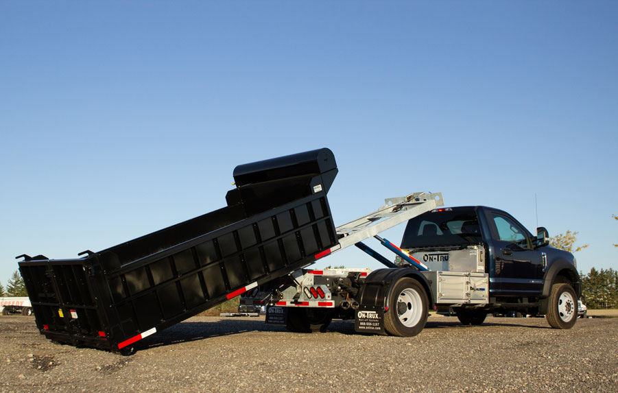 FORD F550 ROLL OFF SYSTEM ON TRUX (12)