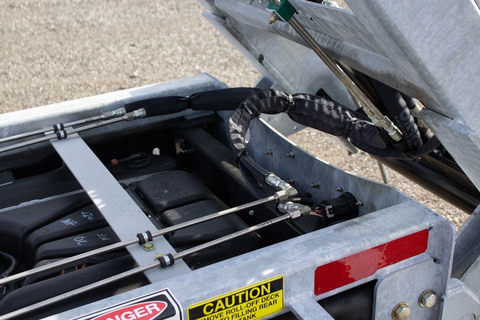 FORD F550 ROLL OFF SYSTEM ON TRUX (6)