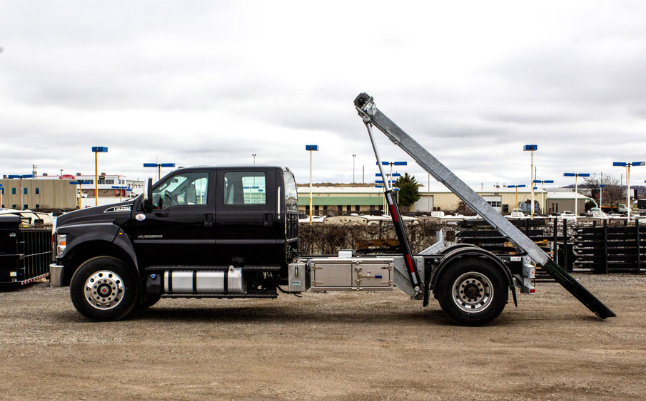 FORD F750 ON TRUX ROLL OFF (14)