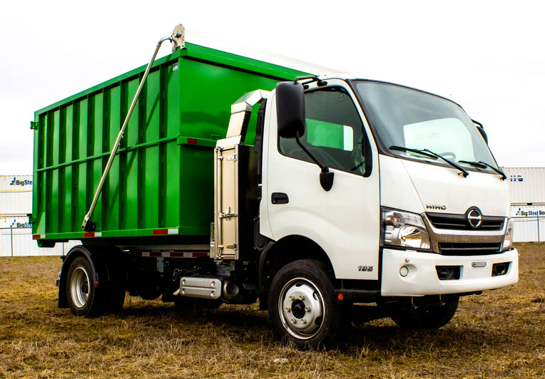 HINO 195 12′ ABOVE FRAME ON TRUX ROLL OFF (3)