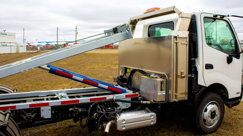 HINO 195 12′ ABOVE FRAME ON TRUX ROLL OFF (7)