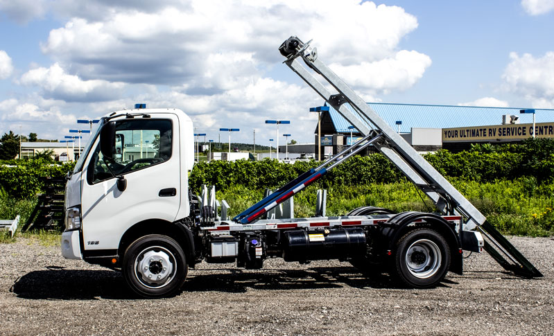 HINO 195 ON TRUX ABOVE FRAME ROLL OFF SYSTEM (10)