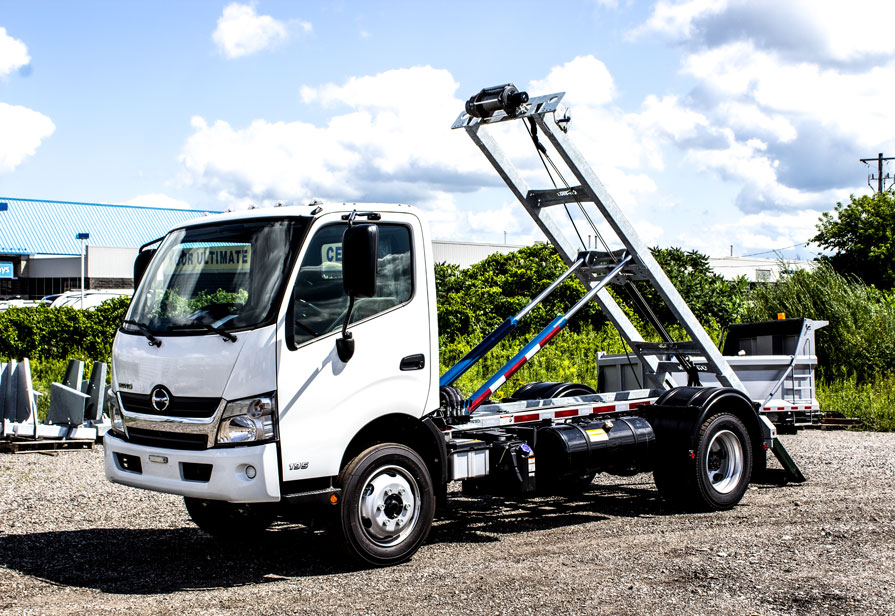 HINO 195 ON TRUX ABOVE FRAME ROLL OFF SYSTEM (11)