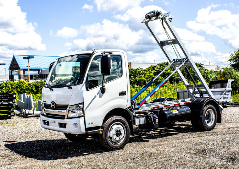 HINO 195 ON TRUX ABOVE FRAME ROLL OFF SYSTEM (12)