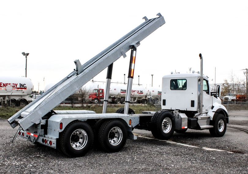 KENWORTH T880 Tri Axle On Trux Roll Off System (35)