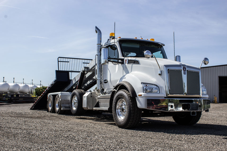 KENWORTH T880 Tri Axle On Trux Roll Off System (5)