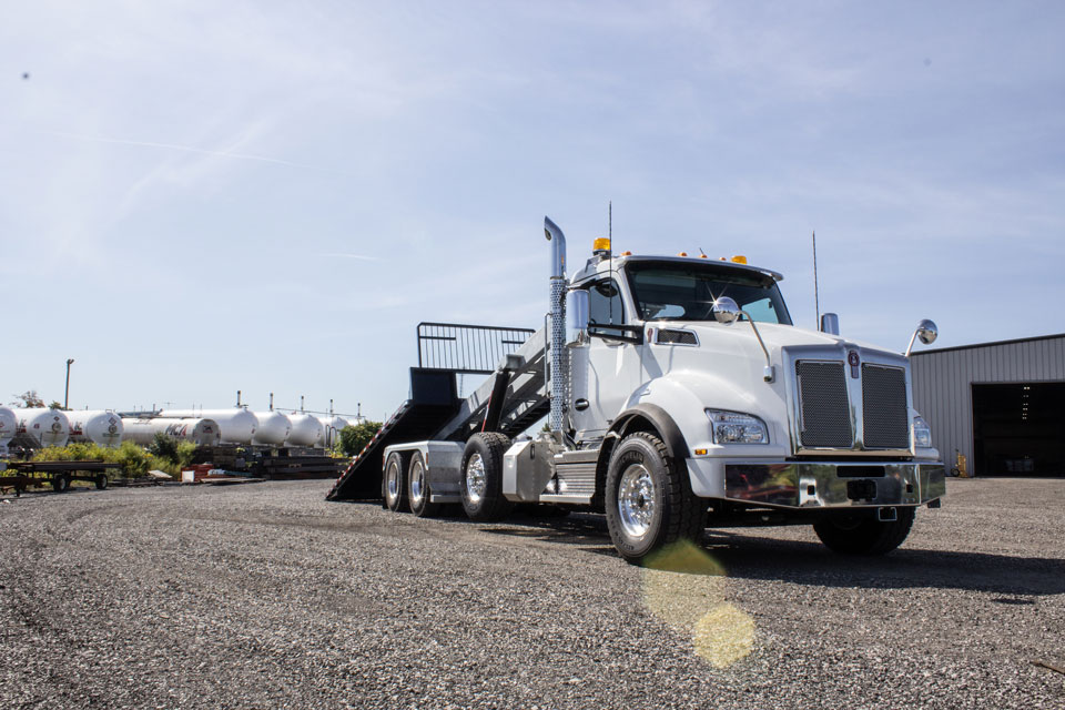 KENWORTH T880 Tri Axle On Trux Roll Off System (6)