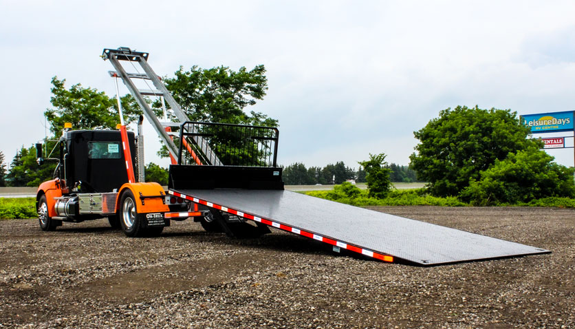 ON TRUX FLAT DECK ROLL OFF AND HOOK LIFT (17)