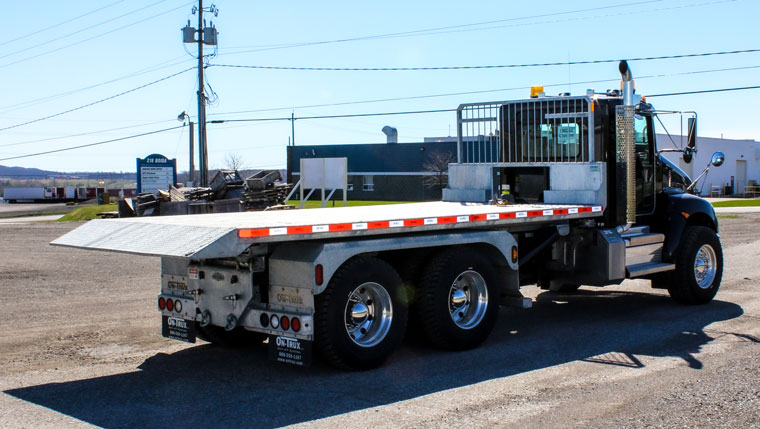 ON TRUX FLAT DECK ROLL OFF AND HOOK LIFT (27)