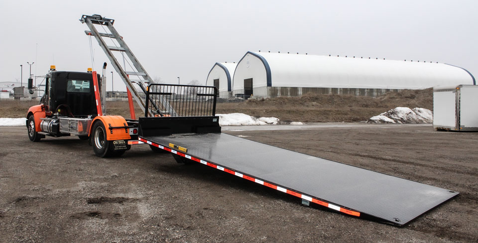 ON TRUX FLAT DECK ROLL OFF AND HOOK LIFT (3)