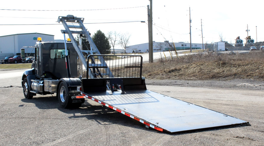 ON TRUX FLAT DECK ROLL OFF AND HOOK LIFT (31)