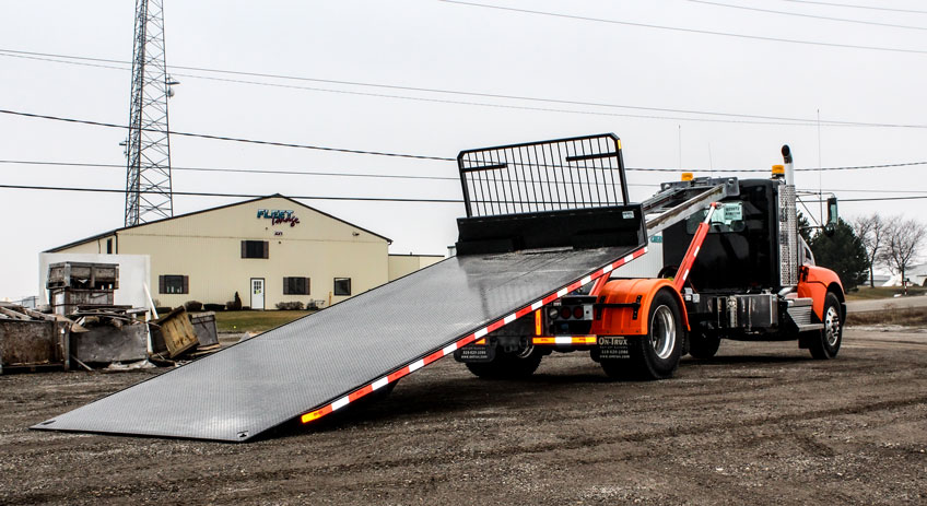 ON TRUX FLAT DECK ROLL OFF AND HOOK LIFT (7)