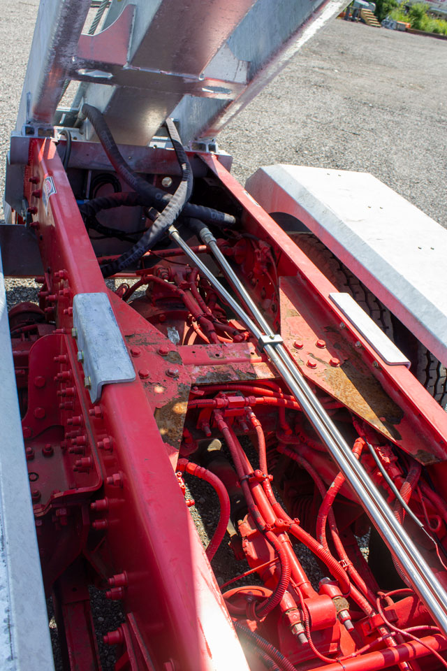 PETERBILT 357 TANDEM ON TRUX ROLL OFF SYSTEM (8)