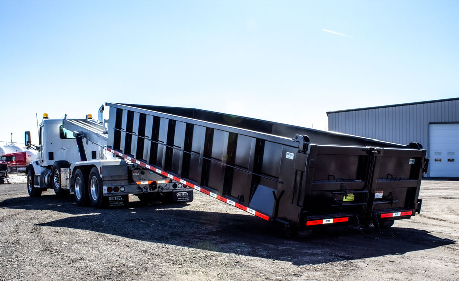PETERBILT TRI AXLE ON TRUX ROLL OFF (16)