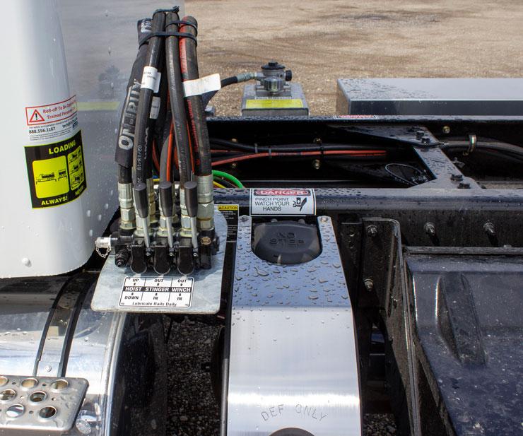 SINGLE AXLE ON TRUX ROLL OFF SYSTEM KENWORTH T370 (4)