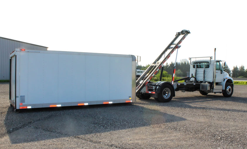 VAN BODY ON TRUX ROLL OFF AND HOOK LIFT (6)