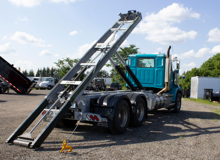 WESTERN STAR TANDEM CUSTOM ON TRUX ROLL OFF SYSTEM (7)