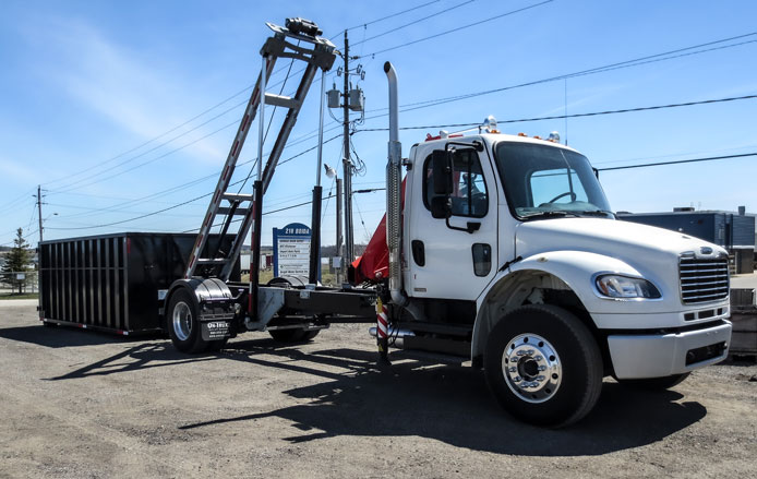 2010 FREIGHTLINER ON TRUX ROLL OFF (10)