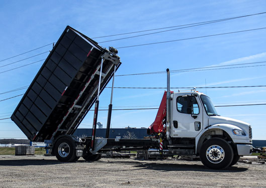 2010 FREIGHTLINER ON TRUX ROLL OFF (3)