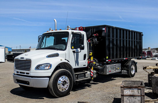 2010 FREIGHTLINER ON TRUX ROLL OFF (4)