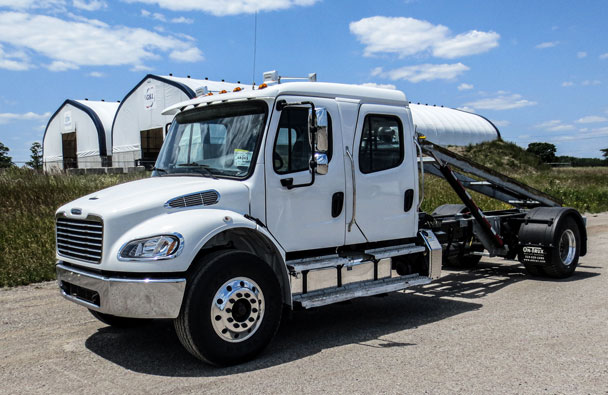 2016 FREIGHTLINER M2 ON TRUX ROLL OFF CREWCAB (2)