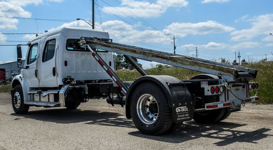 2016 FREIGHTLINER M2 ON TRUX ROLL OFF CREWCAB (3)