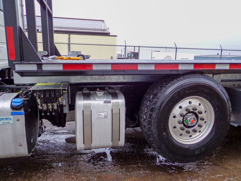 2016 MACK Tri Axle On Trux Roll Off (4)