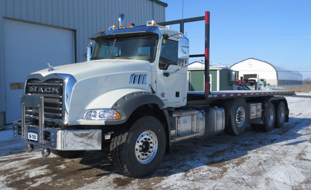 2016 MACK Tri Axle On Trux Roll Off (5)