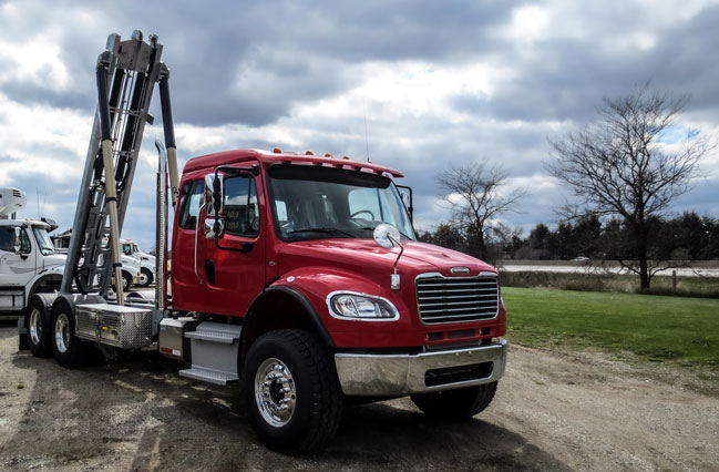 2017 FREIGHTLINER M2 ON TRUX TANDEM ROLL OFF SYSTEM (2)