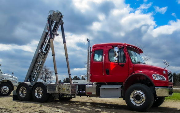 2017 FREIGHTLINER M2 ON TRUX TANDEM ROLL OFF SYSTEM (3)