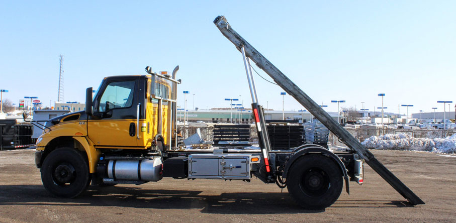 2019 International Mv 14′ ON TRUX SYSTEM (12)
