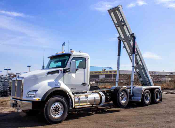 2020 KW T880 MANUAL TRI ON TRUX ROLL OFF (24)