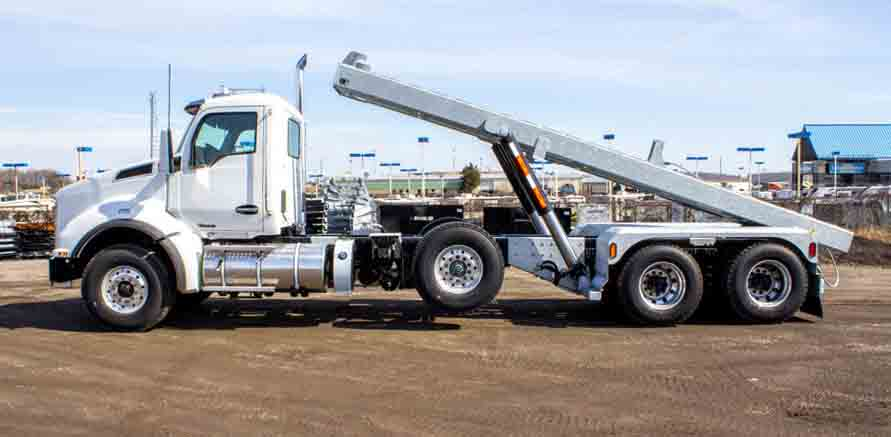 2020 KW T880 MANUAL TRI ON TRUX ROLL OFF (33)