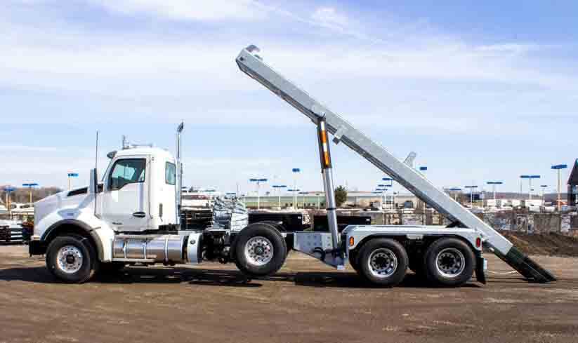 2020 KW T880 MANUAL TRI ON TRUX ROLL OFF (35)