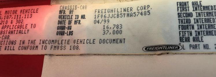 FREIGHTLINER FL80 18′ ON TRUX SYSTEM (1)