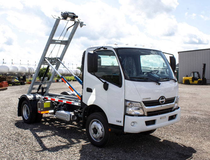 HINO 195 ON TRUX ROLL OFF FOR SALE (10)
