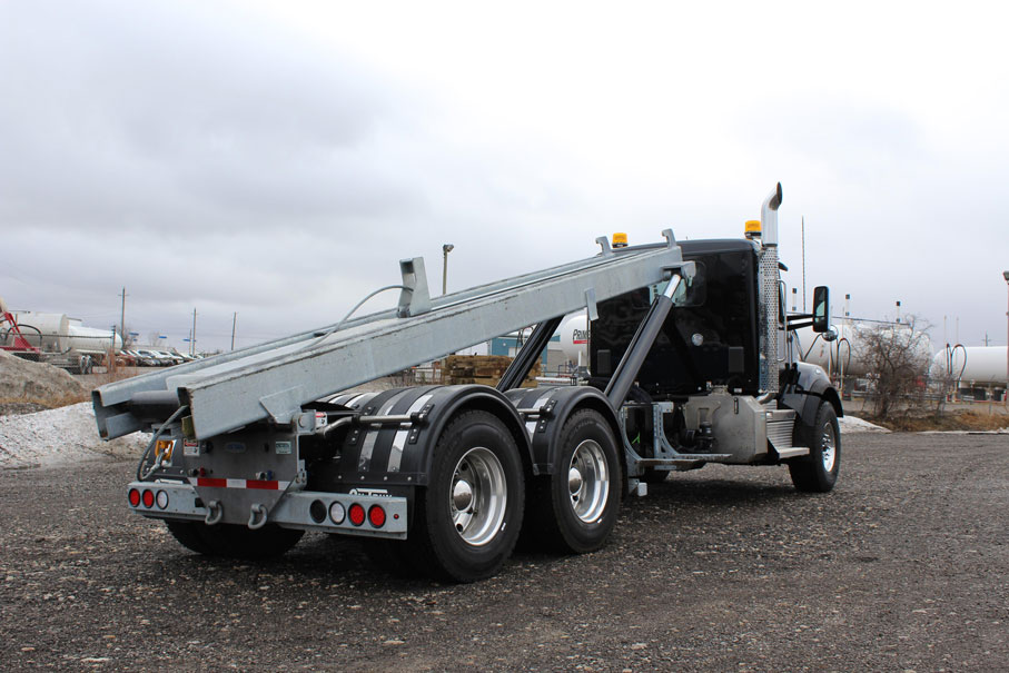 KW T880 BLACK ON TRUX ROLL OFF (5)