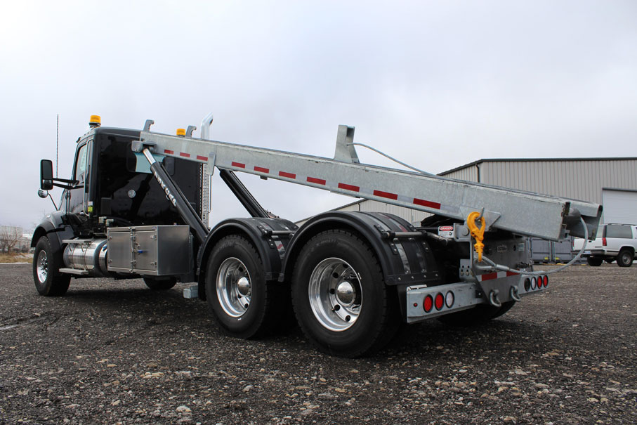 KW T880 BLACK ON TRUX ROLL OFF (6)