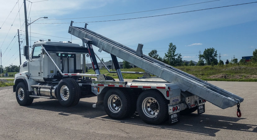 WESTERN STAR FIXED TAIL ON TRUX ROLL OFF (6)