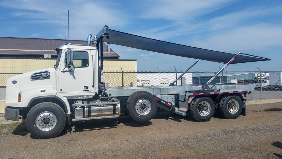 WESTERN STAR FIXED TAIL ON TRUX ROLL OFF (8)