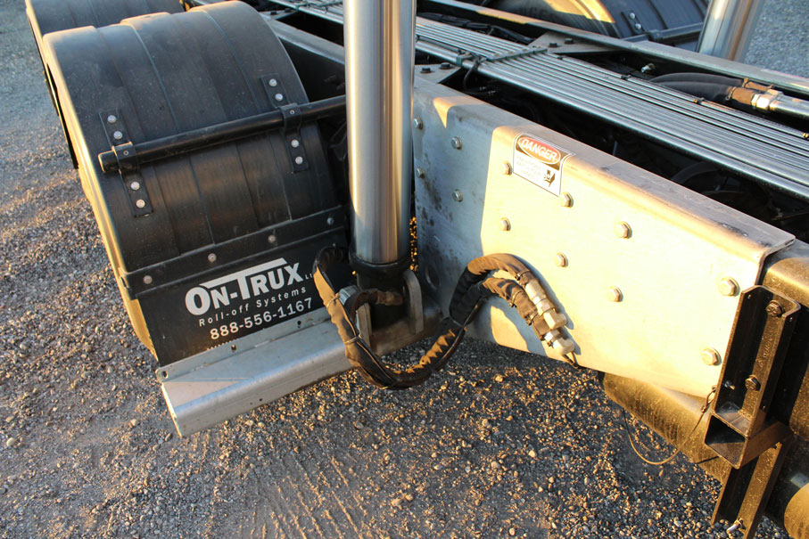 On Trux Poly Fenders (14)
